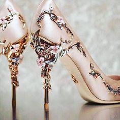 Sapato perfeito para as noivas românticas