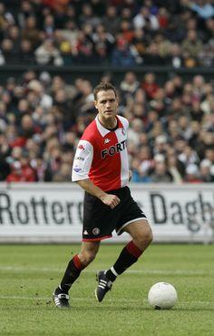 Patrick Paauwe. Acht seizoenen lang een belangrijke pion op het middenveld of in de achterhoede. Maakte deel uit van de teams die de titel wonnen in 1999 en de UEFA Cup in 2002. Nog steeds recordhouder qua aantal Europese duels voor Feyenoord, en natuurlijk matchwinnaar bij de laatste keer dat de Johan Cruijffschaal veroverd werd in 1999.