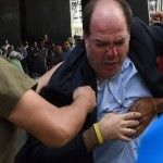 Poniéndole Sabor llega Sal Y Pimienta Opinión Ronald Rodríguez: Violencia Política Aviva la Crisis @Ellibrero - http://critica24.com/index.php/2016/06/12/poniendole-sabor-llega-sal-y-pimienta-opinion-ronald-rodriguez-violencia-politica-aviva-la-crisis-ellibrero/
