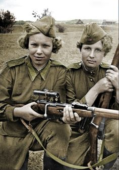 The Red Army had over women snipers during World War II. -Respect for the women that bravely serve in our Military. Military, but respect anyway. Nagasaki, Hiroshima, Military Women, Military History, Ww2 Women, Women In History, World History, Retro Mode, Red Army