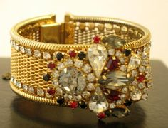Stunning bracelet from a wonderful seller. Dont let this beauty slip away