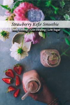 Frozen Strawberries, Strawberries And Cream, Smoothie Bar, Smoothie Recipes, Make Coconut Milk, Kefir, Low Sugar, Goat Milk, Perfect Food