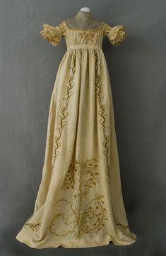 Regency ball gowns   Child's Regency Dress at Vintage Textile: A Superb Vintage Clothing ...