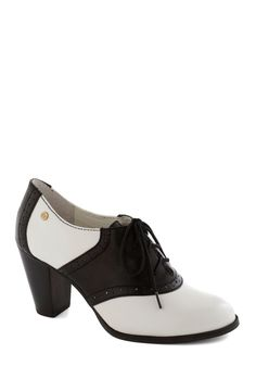 """Ode to the Optimist Heel 