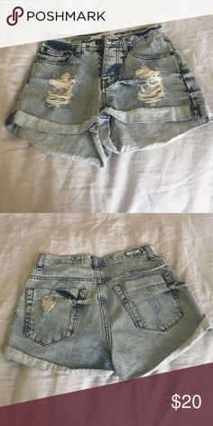Acid wash high-waisted brandy shorts Acid wash denim shorts from brandy Melville. High waisted, button up front. Barely worn and super cute! Brandy Melville Shorts Jean Shorts