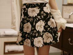 Dress up confidence! 10's trendy style maker 66girls.us High Waist Floral Mini Skirt (DHBJ) #66girls #kstyle #kfashion #koreanfashion #girlsfashion #teenagegirls #fashionablegirls #dailyoutfit #trendylook #globalshopping