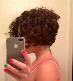 Hairstyle for Curly Short Hair