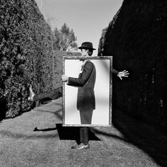 Rodney's latest attempt at fame and fortune--you'd always look sharp, if two-dimensional, in his paper suit.  Pst-1211-074-09 Rodney Smith