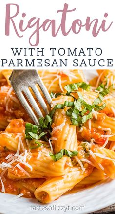 Best Tomato Recipes This Rigatoni with Tomato Parmesan Sauce is a hearty meatless meal with an amazing flavor. This from scratch tomato sauce simmers in under an hour…then add freshly grated Parmesan for an ultimate creamy sauce. Easy Meatless Dinner Recipe, Meatless Pasta Recipes, Easy Pasta Recipes, Vegetarian Dinners, Easy Dinner Recipes, Vegetarian Recipes, Easy Meals, Meatless Dinner Ideas, Meatless Monday Easy