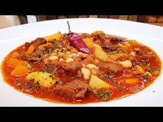 Lencsegulyás akár az újévi levesnek is @Szoky konyhája - YouTube Hungarian Recipes, Hungarian Food, Pot Roast, Thai Red Curry, Ethnic Recipes, Youtube, Carne Asada, Hungarian Cuisine, Youtubers