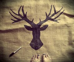 Diy sharpie art. Rustic drawing of a deer on burlap. Frame and hang in your house. Simple diy wall art.