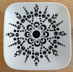 Dot Art Painting, Painting Patterns, Paint Party, Diy Projects To Try, Dots, Pottery, Tableware, Painted Bottles, Mugs
