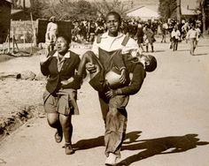 The impact of Apartheid and Jim Crow Laws on Black History and African History in South Africa and the United States Society Problems, African States, African Children, Jim Crow, Black History Facts, History Of Photography, African History, White Man, Lifestyle
