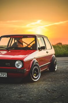Volkswagen Golf MK1 so beautiful! #golf #mk1