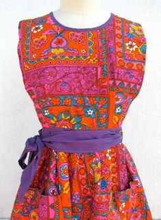1960s Psychedelic Housewife Maxi Dress