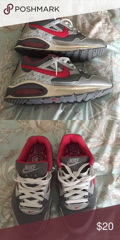 Women's Nike Air Max Dark pink and gray size 9.5 Nike Shoes Sneakers