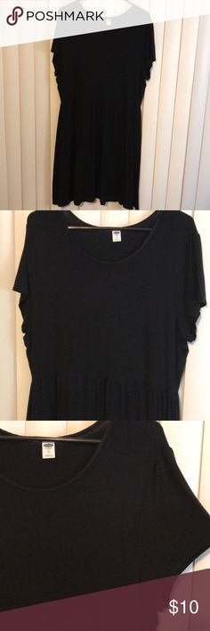 Old Navy black dress Black dress from Old Navy, size XL. Cinched waistline. Above the knee length. Rayon and spandex. Black capped shoulder sleeve. Super cute and comfy dress. Only worn once and has been hanging in closet since. Everyone needs a simple black dress! Old Navy Dresses