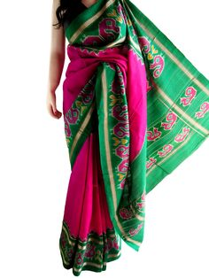 A classic pochampalli saree in magenta and green on pure silk, a delight to wear and to make you stand out from the crowd. Saree has been worn a few times and is in excellent condition. Kalamkari Saree, Silk Sarees, Elite Fashion, Fashion Beauty, Indian Clothes, Indian Outfits, Indian Style, Indian Wear, Pochampally Sarees