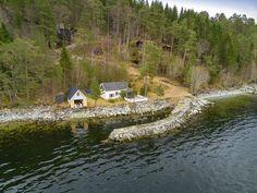 FINN – BOGGESTRANDA - Hytte med fantastisk beliggenhet i Eresfjorden | Egen molo og naust!