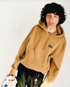 Find images and videos about it, stranger things and finn on We Heart It - the app to get lost in what you love. Millie Bobby Brown, Pretty Boys, Cute Boys, Pretty People, Beautiful People, Finn Stranger Things, Shay Mitchell, Celebs, Celebrities