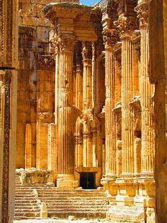 Temple of Bacchus  Baalbek, Lebanon ES EL CUARTO EN ANTIGÜEDAD