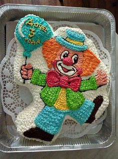 "Торт "" клоун "" Buttercream Flower Cake, Cake Icing, Cupcake Cakes, Easy Cake Decorating, Birthday Cake Decorating, Bright Birthday Cakes, Chocolate Birthday Cake Decoration, Whipped Cream Cakes, Character Cakes"