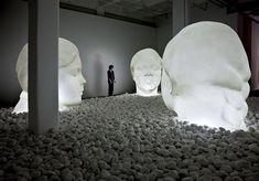 Me maravilla Jaume Plensa! Ahora exposición en el Yorkshire Sculpture Park. La exposición, una de las más completas del escultor catalán, contará con 40 trabajos de Plensa. El artista seleccionó diversas obras conocidas y algunas inéditas.