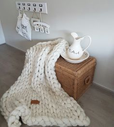 Joetjz xxl knit plaid. Stoere handgemaakte plaids van 100 % superzacht merinowol.  In verschillende kleuren en maten verkrijgbaar.  Www.joetjz.nl