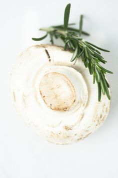 Giant Champignons with rosemary - Riesenchampignons mit Rosmarin Mehr Infos & Rezept unter ckahr.com/blog #champignons #recipe