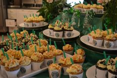 Please if anyone ever gives me a surprise bday party one day, a Starbucks theme is so me. LOL!