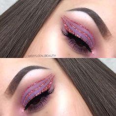 WEBSTA @kayleen_beauty Inspired by Huda Beauty Desert Dusk 💕💕💕 Details: EYE• @koboprofessional @danielsobiesniewski eyeshadows 👅 @morphebrushes 35B 💞 @glitterlambs glitter @sminko.pl