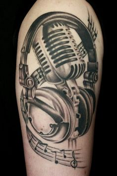 This old school mic tho