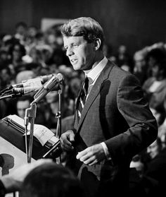 Bobby Kennedy (photo by David Hume Kennerly)