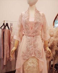 Model Kebaya Modern, Kebaya Modern Dress, Kebaya Dress, Dress Brokat, Boho Midi Dress, Batik Dress, Muslim Fashion, Lovely Dresses, Fashion Outfits