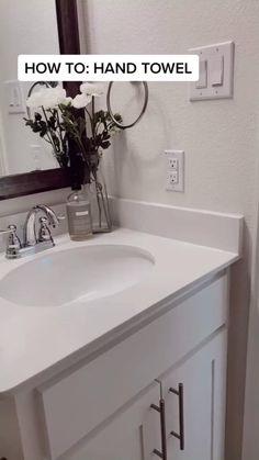 Bathroom Inspiration, Home Decor Inspiration, Decor Ideas, Diy Ideas, Decorating Ideas, Bath Decor, Diy Bathroom Decor, Budget Bathroom, Apartment Bathroom Decorating