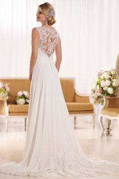 What a breath-taking lace illusion back - both feminine and flirty :)