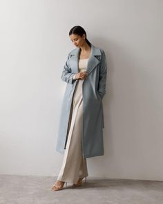 #trenchcoat #basic #trench #autumnstyle #springtrench #outerwear #women'souterwear #casualouterwear #fashiontrenchcoat #womensjacket #autumnouterwear #casualstyle #outfits #streetstyle #fashionstyle #designertrenchcoat #lichishop #lichiouterwear Modest Fashion, Fashion Dresses, Airport Style, Airport Fashion, Pinterest Girls, Leather Trench Coat, Online Fashion Stores, Couture Fashion, Vegan Leather