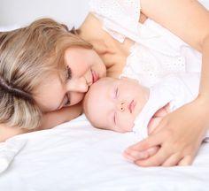 Enfim, o bebê nasceu! No final da gravidez, a expectativa e a ansiedade em conhecer o novo membro da família é tão grande, que muitas mulheres não se preocupam com os desafios do pós-parto. Mas é importante se informar sobre os principais cuidados no puerpério, período de intensa modificação física e emocional, para garantir o bem estar da mãe e, consequentemente, também do bebê.