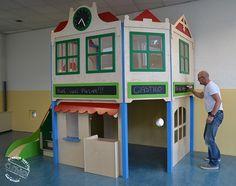Combitoestel Station is speciaal naar de wensen van de klant ontworpen door Castilo. Het is voorzien van een speelhuis, werkverdieping, krijtborden en beneden kan er gespeeld worden. Het is een modulair systeem wat een extra tussenverdieping creëert met meer ruimte voor meer leer- en speelgebieden.  Een ideaal product voor in lokaal of ruimte. De kinderen zullen er in ieder geval veel plezier mee beleven.  #school #bso #peuterspeelzaal #glijbaan #speelhuis #combitoestel Arcade Games