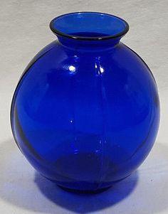 Set of pcs) Vintage Cobalt Blue Glass Deep Bowls H x 5 Dia Cobalt Glass, Cobalt Blue, Glass Vase, Glass Ceramic, Ceramic Pottery, Blue Kitchen Decor, Calming Colors, Opaline, Old Antiques