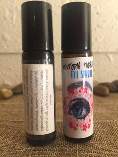 Eye Serum by Skintopiatherapy. Agar-agar, Aloe Vera, Sweet Almond oil, Rosehip oil, Raw Honey, Grape seed oil, Carrot seed oil, Cucumber seed oil, Jojoba oil, Turmeric, Apple extract, Green Tea powder, Lavender essential oil, Chamomile essential oil, Peppermint essential oil, Lemon essential oil, and other essential oils.