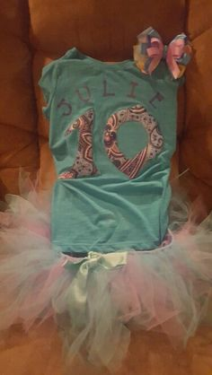 Shirt, tutu and bow birthday outfit
