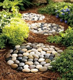 DIY River Rock Stepping Stones for your garden outside! Cute!