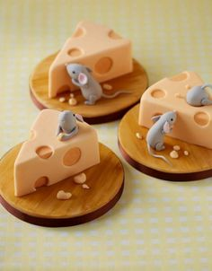 Mice Cheeses Mini Cakes by lois Fancy Cakes, Cute Cakes, Mini Cakes, Pretty Cakes, Fondant Cakes, Cupcake Cakes, Owl Cupcakes, Beautiful Cakes, Amazing Cakes