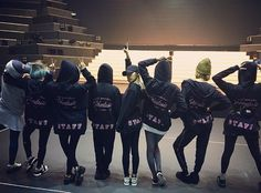151212 SNSD @ Instagram。(via yoona__lim)『Phantasia in japan#後であいましょうねー #율스타와일곱스텝들 #융스타그램』