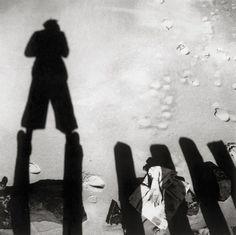 Eva BESNYÖ :: Untitled [The shadow of John Fernhout, Westkapelle, Zeeland, Netherlands], 1933