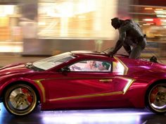 Ben Affleck's Batman Fighting Jared Leto's Joker: 1st Look in 'Suicide Squad' Shots