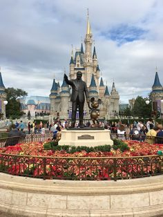 All Things Blue: Direto da Terra do Mickey