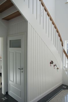 Classic house staircase storage room Classic house staircase storage room The post Classic house staircase storage room appeared first on Landhaus ideen. Staircase Storage, House Staircase, Stair Storage, Modern Staircase, Storage Room, Stairs Architecture, Classical Architecture, Cottage Dining Rooms, Small Windows