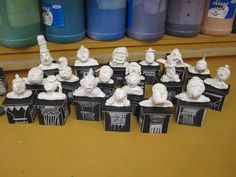clay Roman busts (JB) Primary School Art, High School Art, Middle School Art, Sculpture Lessons, Sculpture Projects, Ceramics Projects, Art History Lessons, Art Through The Ages, 6th Grade Art